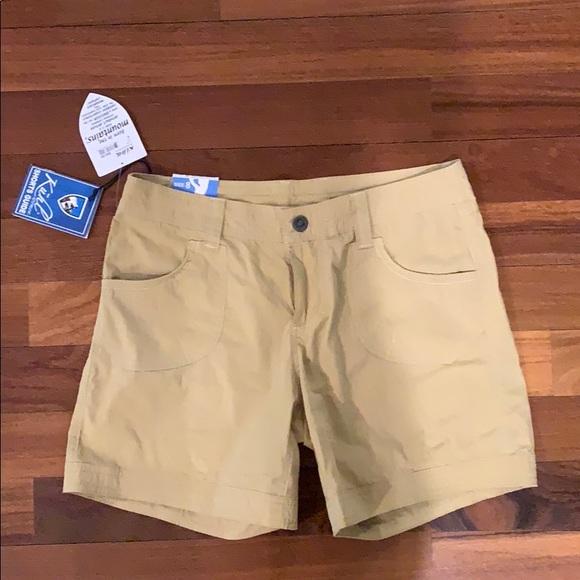 "Kuhl Pants - NWT Kühl tan shorts. 6"" Kontra"